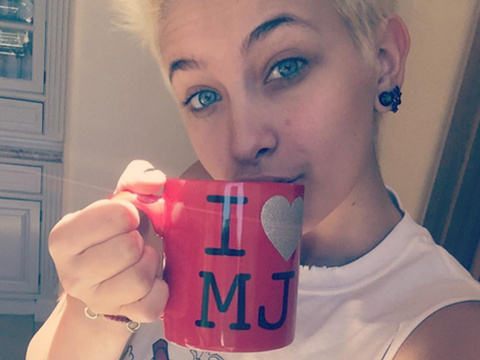 "Paris Jackson Drinks from ""I Heart MJ"" Mug In Tribute to Her Late Father"