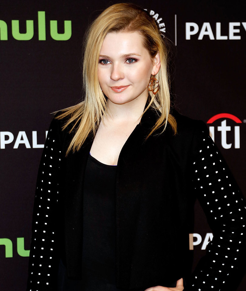 "Abigail Breslin Trades In Her Blonde Locks for Dark Brunette 'Do for ""Dirty…"