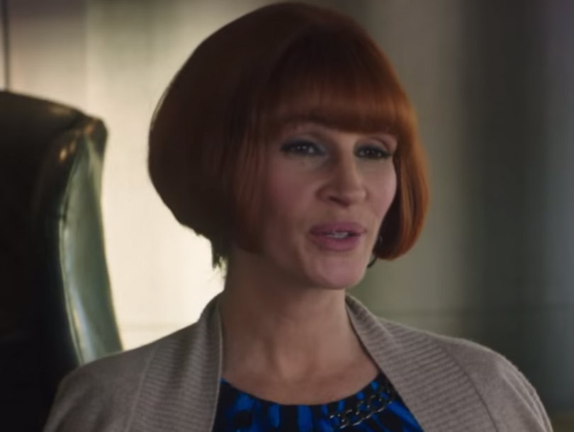 "Wiggin' Out! See Julia Roberts Rock Chin-Length Bob In New ""Mother's Day""…"