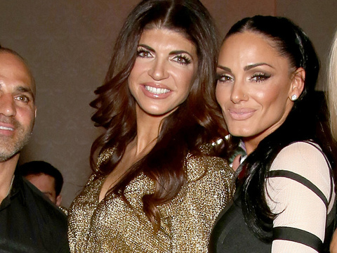 Prison Does a Body Good! Wait'll You See How HOT Teresa Giudice Looks Out with Brother…