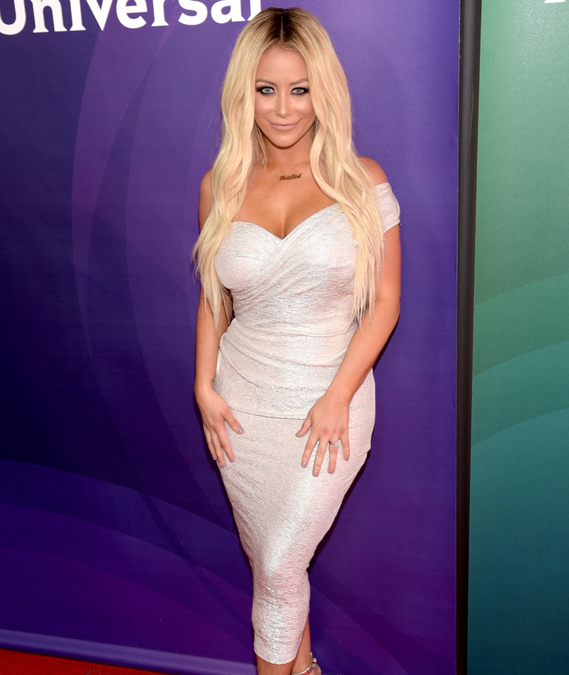 Aubrey O'Day & Pauly D Engaged ... or April Fool's Joke? Singer Hits Red…