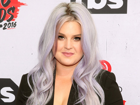 Kelly Osbourne Shares Makeup-Free Selfie Morning After iHeartRadio Music Awards