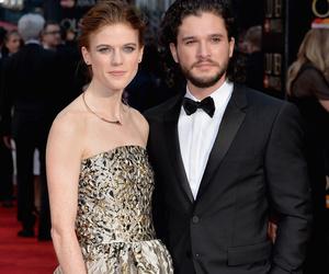 """""""Game of Thrones"""" Duo Kit Harington & Rose Leslie Make Red Carpet Debut at…"""