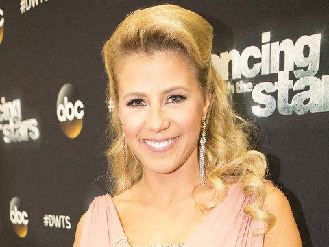 """Jodie Sweetin Gets Emotional During """"DWTS,"""" Opens Up About Former Drug Addiction"""