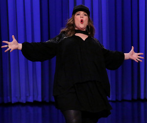 "Melissa McCarthy Crushes Jimmy Fallon in Lip Sync Battle With DMX & ""Colors…"