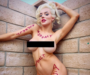 Courtney Stodden Claims Victory Over Instagram -- Nude Photo Allowed Back on…