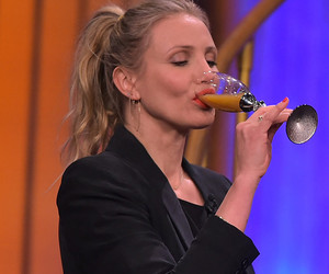 Watch Cameron Diaz and Jimmy Fallon Guzzle Salsa Verde & Absinthe During…