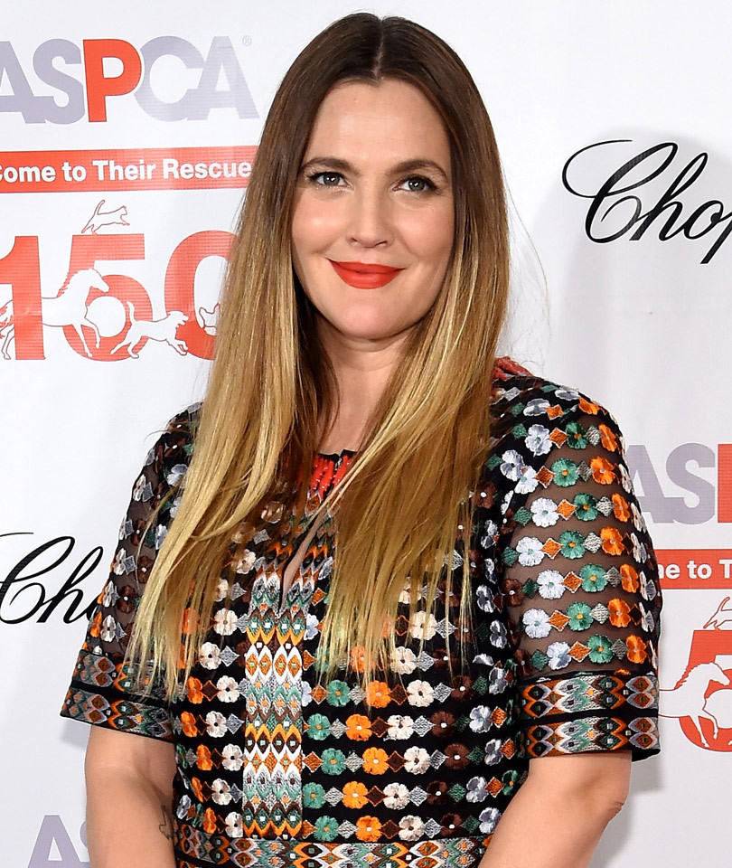 Dueling Dresses: Who Wore It Better Drew Barrymore or Kate Middleton?!