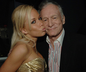 Wait Until You See the Sexy Gift Kendra Wilkinson Gave Hugh Hefner for His 90th…
