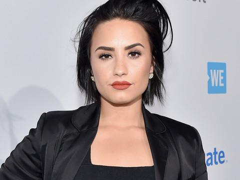 "Demi Lovato Flaunts Her Killer Curves in New Bikini Pic: ""My Body Isn't Perfect"""
