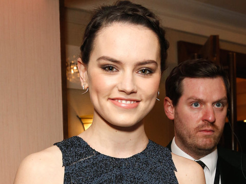 """Daisy Ridley Shows Off Impressive Lightsaber Skills During Training for """"Episode VIII"""""""