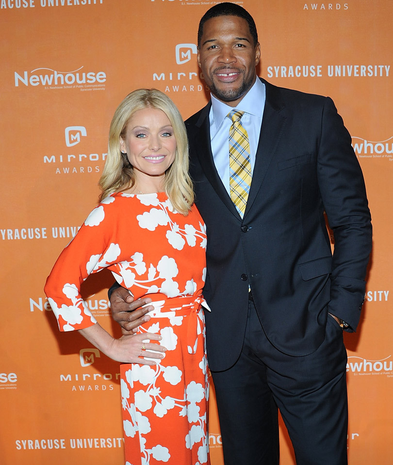 """Kelly Ripa Returns to """"Live with Kelly and Michael"""" -- Calls Michael Strahan…"""