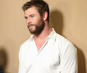 "Chris Hemsworth Surprises His Biggest Fan -- Gives Her a ""Kinky"" Massage, Gets…"