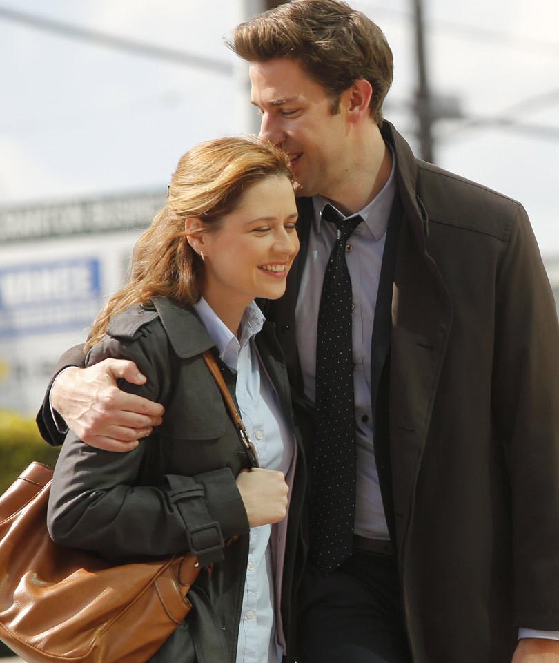 """""""The Office's"""" John Krasinski & Jenna Fischer Reunite -- After Her Awkward…"""