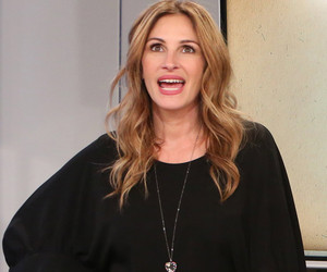 Wait ... Why Is Julia Roberts Selling Sex Toys on TV? See How Ellen Tricked Her!