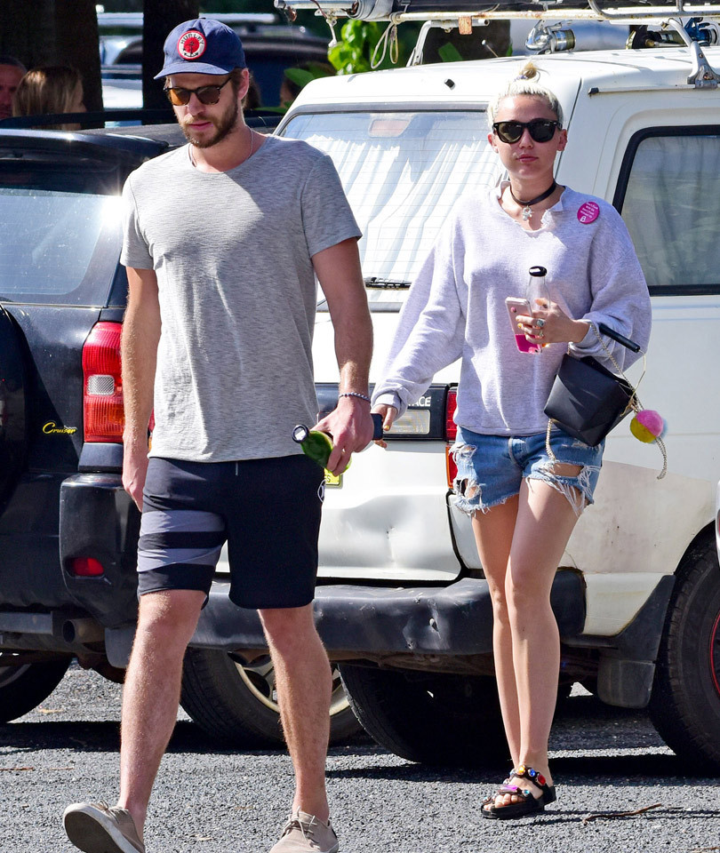 Engagement Back On?! Miley Cyrus and Liam Hemsworth Grab Lunch With His Parents…