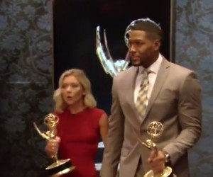 """Kelly Ripa & Michael Strahan Hold Hands on """"Live!"""" After Daytime Emmy Win"""
