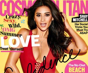 """Shay Mitchell Opens Up About Her Sexuality: """"You Love Who You Love"""""""