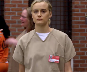 "New ""OITNB"" Trailer: Crazy Eyes Hospitalized, As Piper Makes a New Enemy"