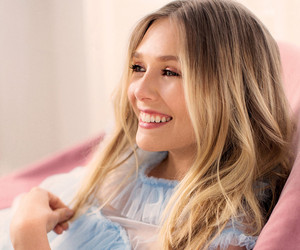 """Elizabeth Olsen on Being Compared to Sisters Mary-Kate & Ashley: """"Grow Up…"""