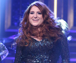 """Meghan Trainor Eats It During """"Tonight Show"""" Performance -- See The Dramatic…"""