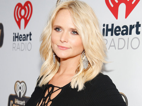 "Miranda Lambert Reveals Why She Keeps a Low-Profile on Social Media: ""I Really Believe In…"
