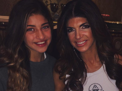 Teresa Giudice Celebrates 44th Birthday With Four Daughters -- See The Cute Family Photo!