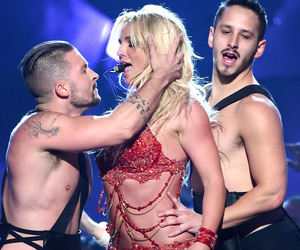 Britney Spears Sings About Masturbation During the Billboard Music Awards