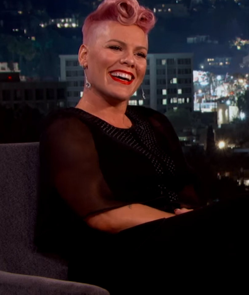 "P!nk Totally Loses Her Cool Meeting ""Crush"" Johnny Depp on ""Jimmy Kimmel"" --…"