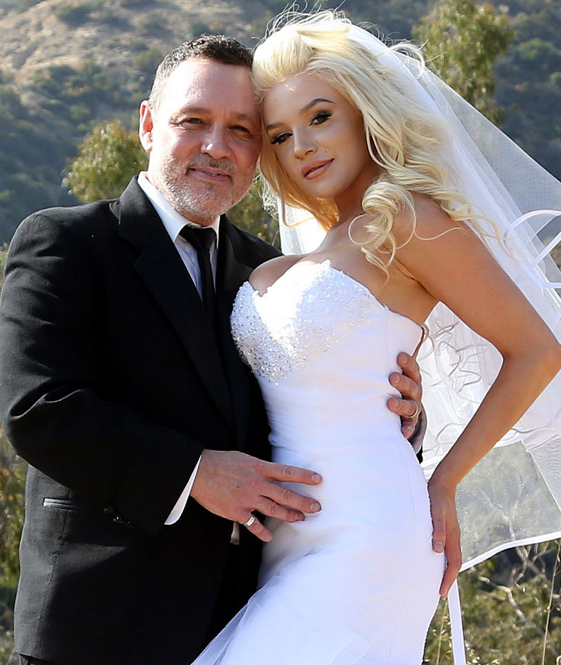 Pregnant Courtney Stodden & Doug Hutchison Renew Vows for 5th Anniversary…