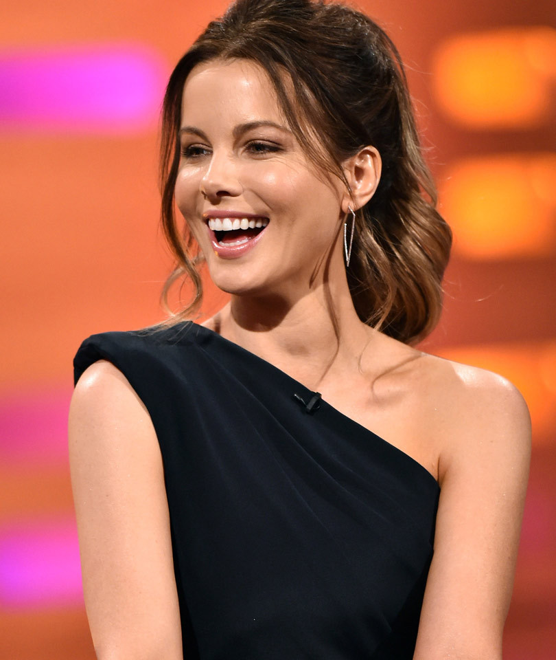 """Kate Beckinsale Says She Was Told She Needed to """"Work Out"""" for Breakout """"Pearl…"""