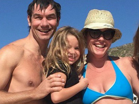"Jerry O'Connell Won't Let Wife Rebecca Romijn Have a Manny: ""I Wouldn't Be Comfortable…"