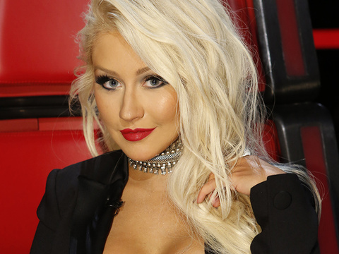 Christina Aguilera Doesn't Look Like This Anymore -- Wait'll You See Her Rock Red Hair!
