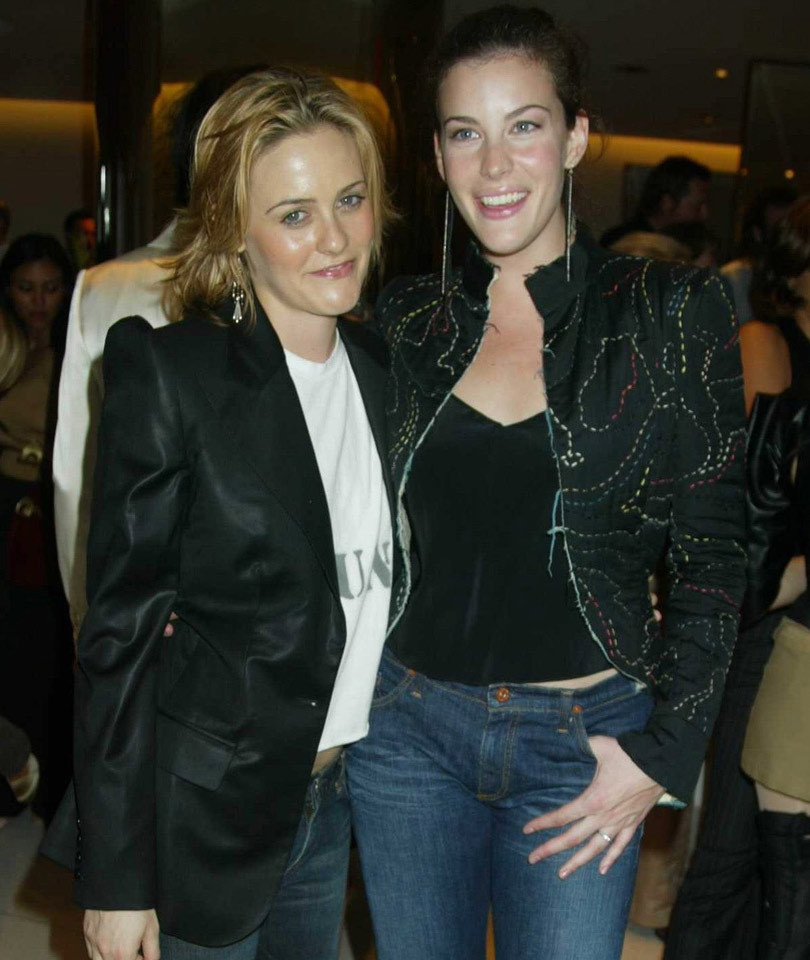 "Alicia Silverstone & Liv Tyler's ""Crazy"" Reunion Will Make Your Day -- See…"