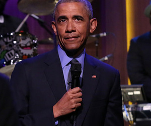 President Obama Slow Jams the News with Jimmy Fallon, Burns Donald Trump