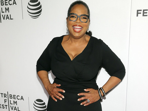 "Oprah Winfrey Talks 30-Pound Weight Loss, Says She's ""Almost"" In The Best Shape of Her…"