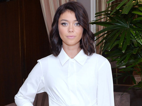 Sarah Hyland Looks Flawless In White & More Hot Hollywood Photos!