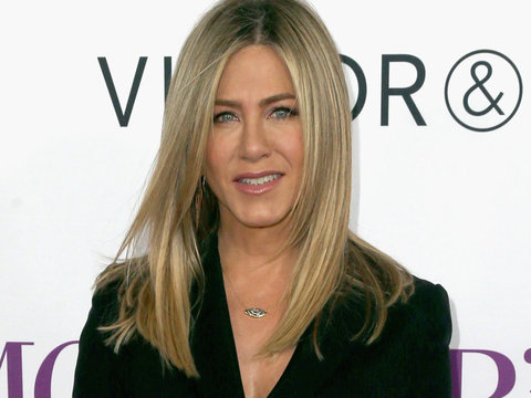 Jennifer Aniston Reveals What Beauty Advice She'd Give to Her Younger Self