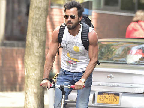 Let's All Stop and Appreciate Justin Theroux's Amazing Arms
