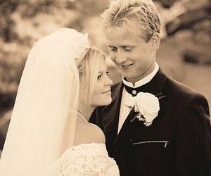 Candace Cameron Bure Celebrates 20-Year Wedding Anniversary With Sweet Throwback