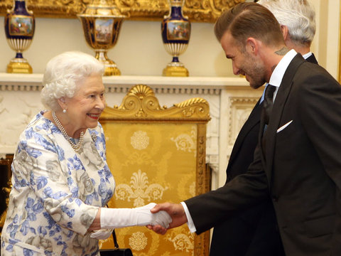 David Beckham Meets The Queen & More Hot Photos