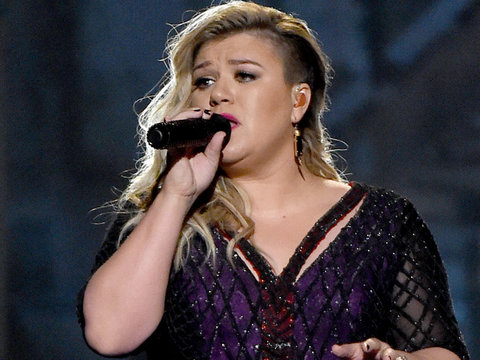 "Kelly Clarkson's Making a Soul Record, Says She's ""So Excited For The New Era"""