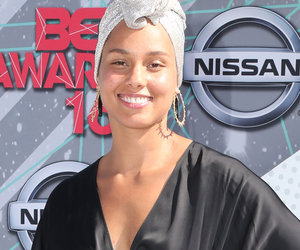 No Makeup Here! Alicia Keys Was Bare-Faced & Beautiful at BET Awards
