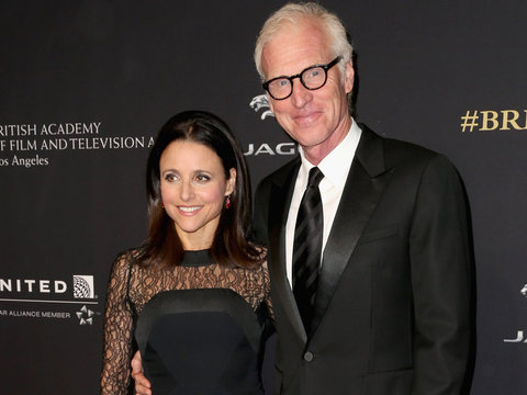 See Julia Louis-Dreyfus' Awesomely '80s Wedding Dress In Amazing Throwback Photo