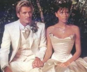 David Beckham Shares Epic Throwback Pic & Sweet Message on 17th Wedding…