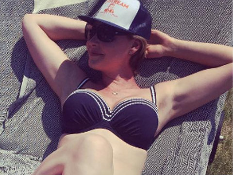 Pregnant Katherine Heigl Slips Into a Bikini With Adorable Daughter Naleigh