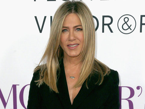 """Aniston Pens Epic Tabloid Takedown -- She's """"Fed Up!"""""""