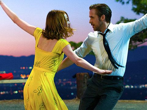 "See Ryan Gosling Sing to Emma Stone in Romantic ""La La Land"" Teaser"