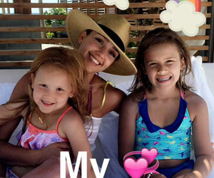 Jessica Alba Shares Adorable Pic With Mini-Me Daughters