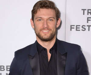 "Alex Pettyfer Still Has His ""Magic Mike"" Moves -- See Him Dance to ""Pony"" On…"